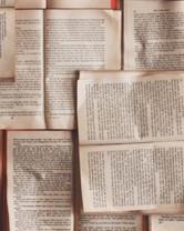 Libri uniti in mosaico.