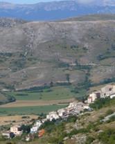 Castel del Monte e rocca calascio dalle riparate.